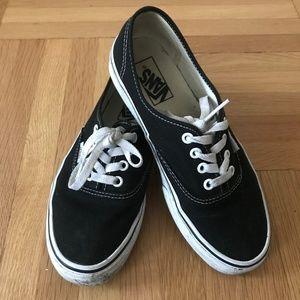 Vans Authentic Black&White Size 7.5 Sneakers